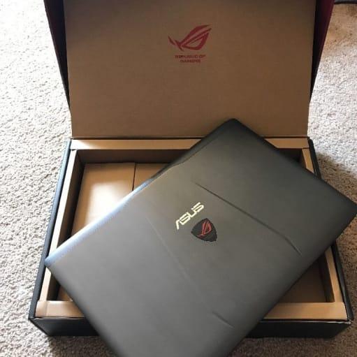 ASUS laptop helt ny original bruger aldrig