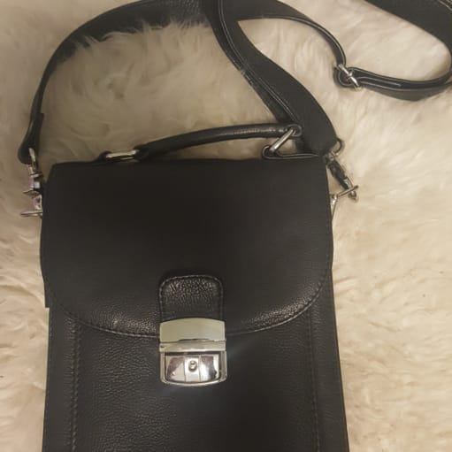 Læder taske sælges