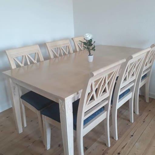 6-personer spisebord af bøgetræ