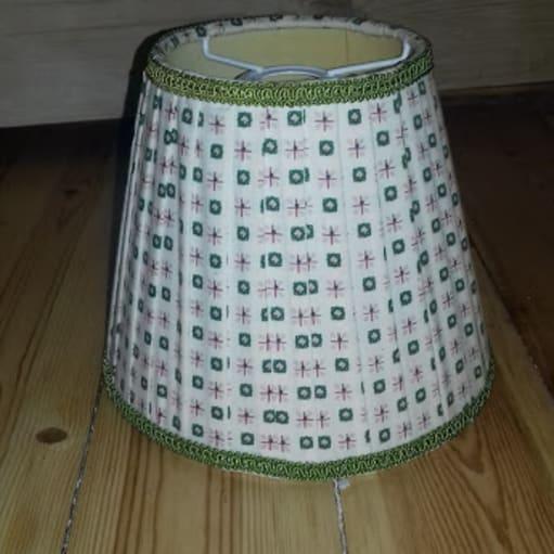 Sød lille lampeskærm, aldrig brugt