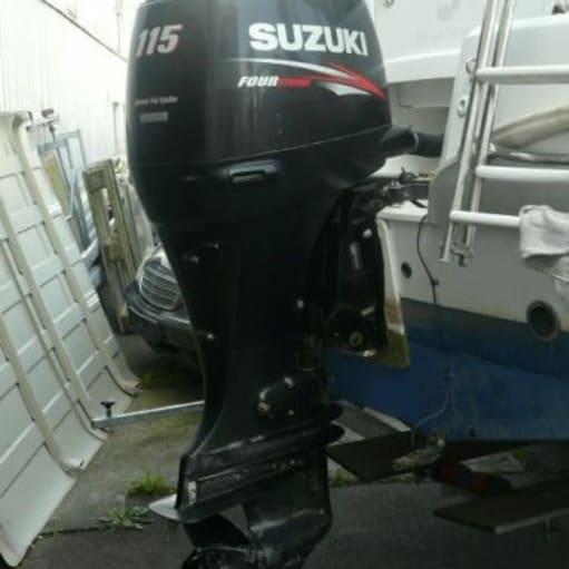 Jeg sælger en 2010 Suzuki DF 115 TXK påhængsmotor i god stand