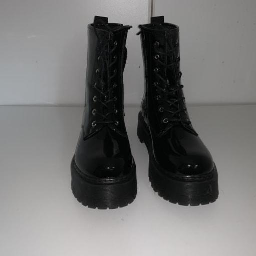 Støvler med snørre