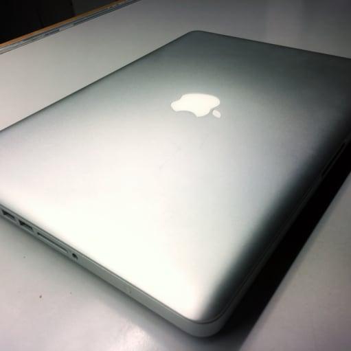 """Velholdt MacBook pro """"13, medio 2010 til studie- og hjemmebrug"""