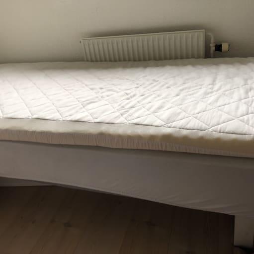 Seng med top madras 90x200