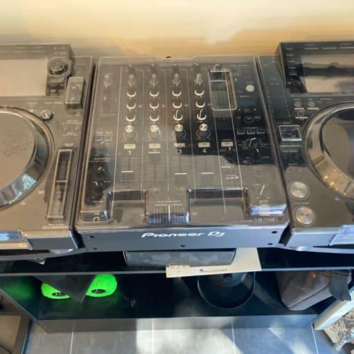 2x Pioneer CDJ-2000NXS2 Pioneer DJM-750MK2 DJ-mixer