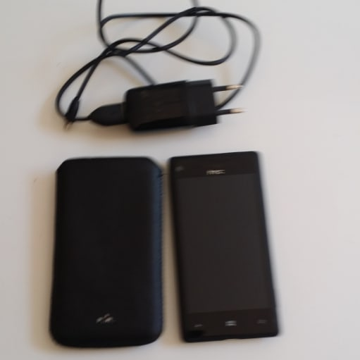 HTC Windows 8s mobil sælges.