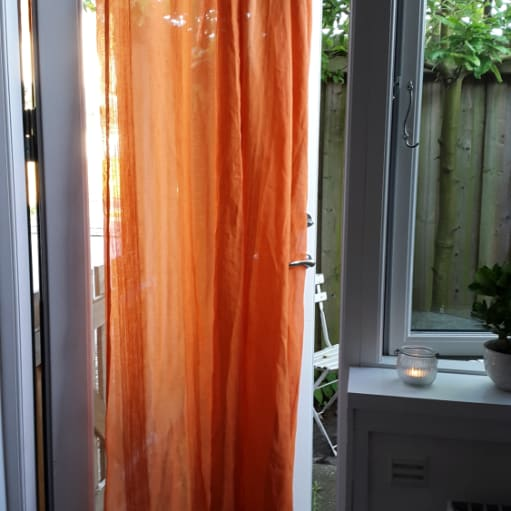 Curtains and 2 small decorative pillows
