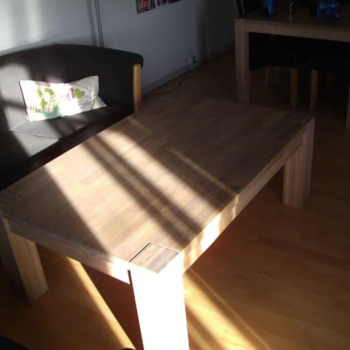 Meget Billigt  stue/sofa bord i massivt Egetræ