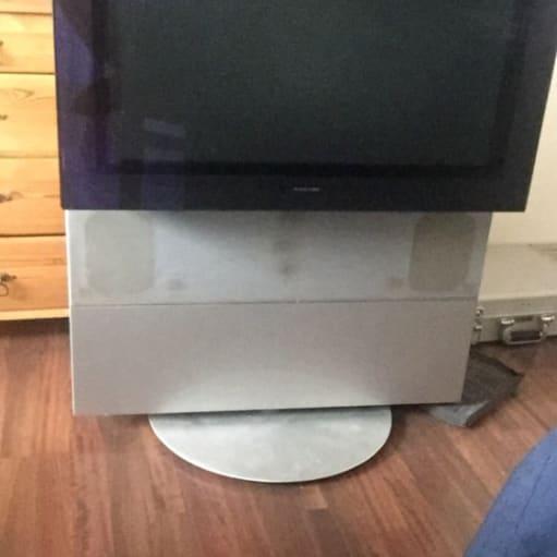 B&O fjernsyn med dreje sokkel sælges