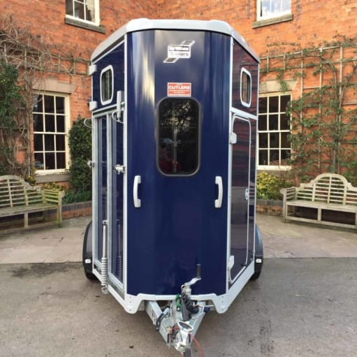 2015 Ifor Williams HB506 hest trailer