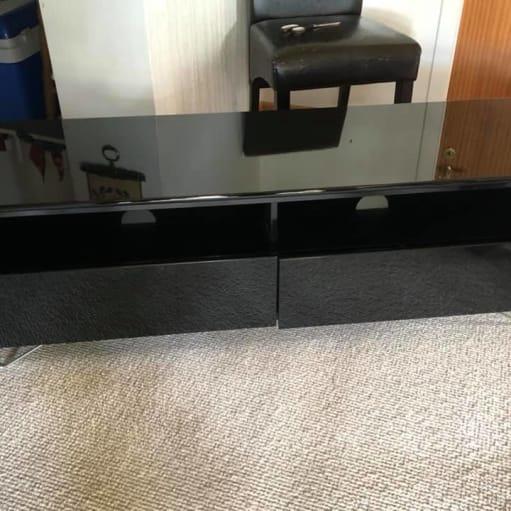 TV-bord i sort højglans