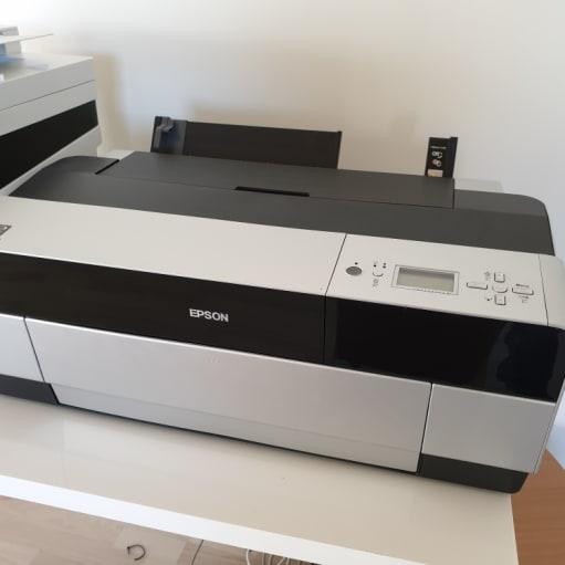 Epson Stylus Pro 3880 inkjet printer til højkvalitets print op til A2 størrelse.