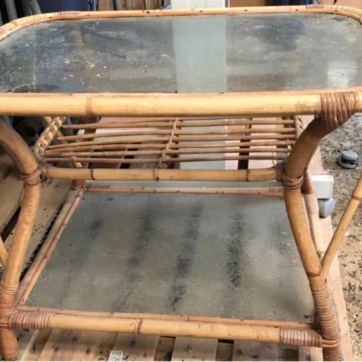 Bambusbord med 2 underhylder