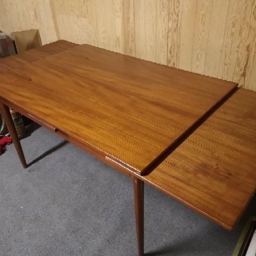 Teaktræ bord