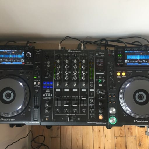 Pioneer DJ-2000NXS DJ Deck (x2) & DJM-900NXS (Sort)