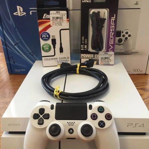 NEW PlayStation 4 PS4 Sony Glacier White 500GB konsol (CUH1100AB02) Japan