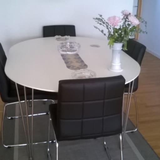 spisebord med 4 stole