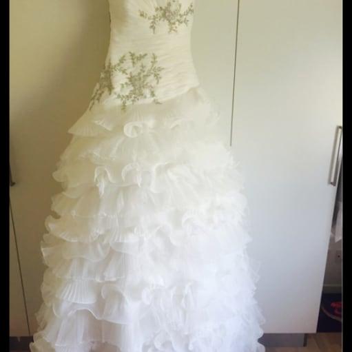 Elegant prinsesse brudekjole  du har alt her