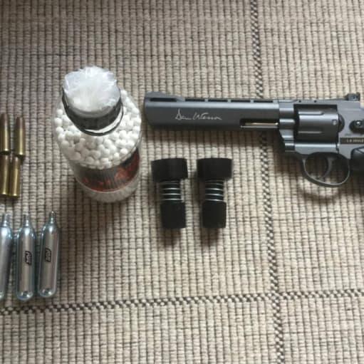 Softgun, Dan Wesson 6 revolver