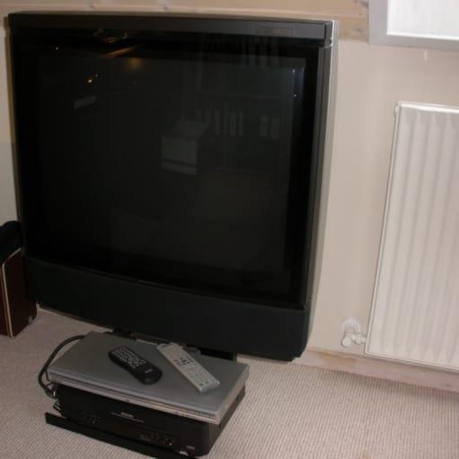 Beovision MS6000 CTV -m/bord for TV