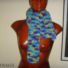 Smuk strik halstørklæde. 137 x 27