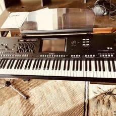 Yamaha Genos 76-keyboard