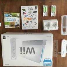 Wii m. tilbehør, spil, og board