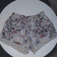 Blomstrede shorts