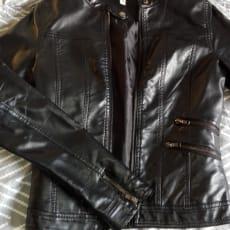 Læderjakke i imiteret læder
