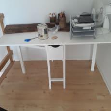 Skrivebord/spisebord
