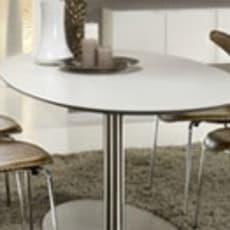 Elegant ovalt spisebord til salg