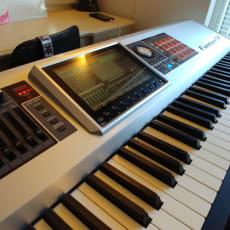 Roland Fantom G8 Synthesizer
