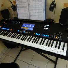 Yamaha GENOS Arranger / 76 noter + SONO