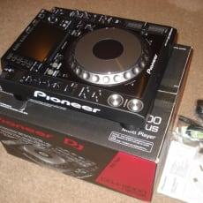 Pioneer CDJ 2000 Nexus cost only 700 euros  /  Pioneer DJM-2000 Nexus cost only 750 euros