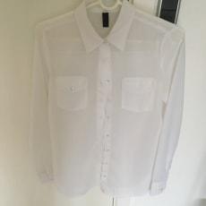 Skjorte sælges