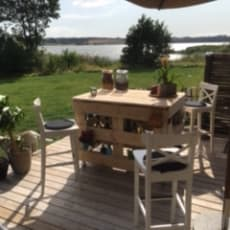 Håndlavet udendørs Køkken bord m.m., med masser af rum lavet af paller