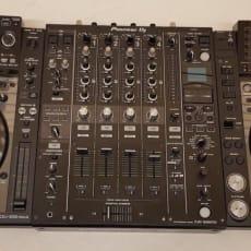 Pioneer 2 x CDJ-2000NXS DJM-900NXS2