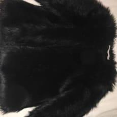 sort pelsjakke, str.40 ret ny og meget fin.