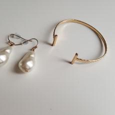 Smykker (øreringe og armbånd)