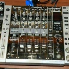 Pioneer  CDJ 2000 NXS (x2) DJM 900 NXS (x1)