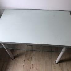 Skrive bord med glas plade