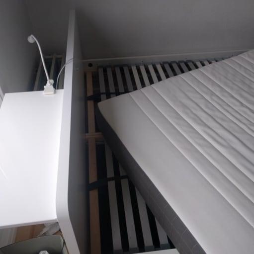 Hyggelig dobbeltseng med madras og to spalterammer (Askvoll, Morgedal, 2x Lönset)