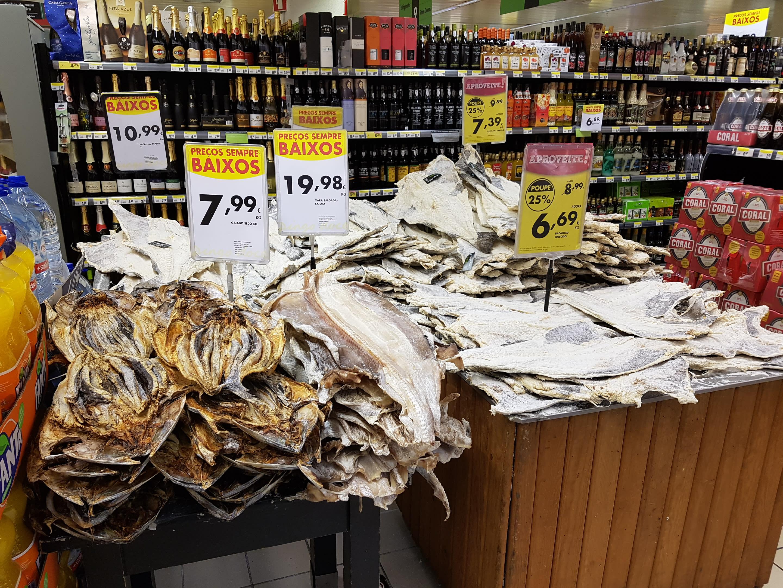 остров Мадейра. Бакаляу (bacalhau) — соленая сушеная треска.