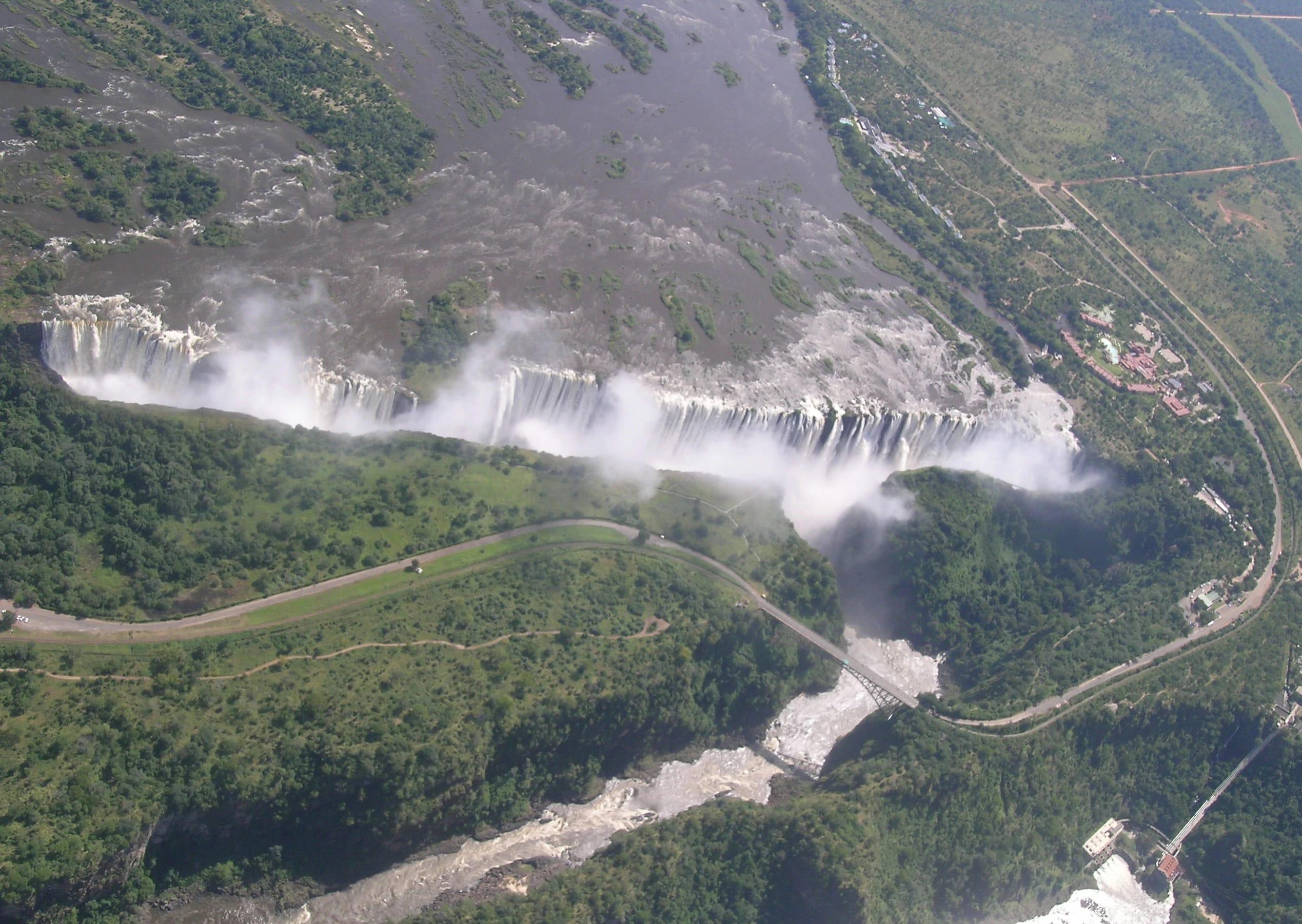 Водопад Виктория (Victoria Falls). Река Замбези.