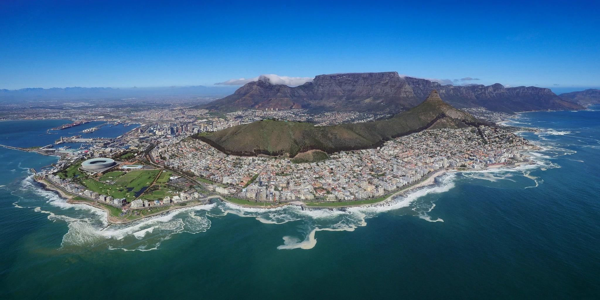 Вид на Кейптаун. Столовая гора