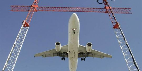 Canada's air transportation regulator begins public consultations on new rules