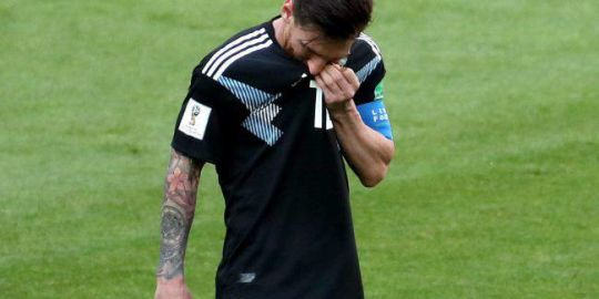 World Cup roundup: Messi misses penalty kick as Argentina held by underdogs Iceland