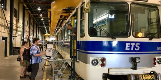 Edmonton Transit Service opens its doors to celebrate 40 years of light rail