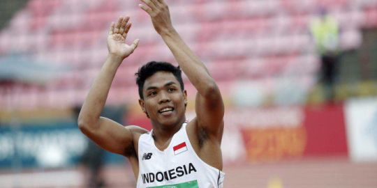 Indonesian athlete couldn't afford shoes, so he trained barefoot. He just won gold