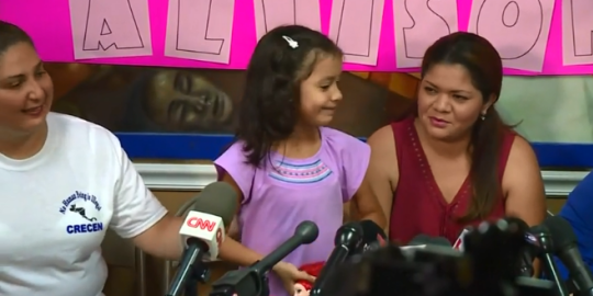 Six-year-old girl heard sobbing in U.S. migrant detention centre reunited with mother